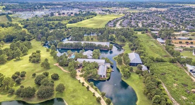 Luxurious Tomball Ranch Reduced By $2.25 MILLION; Does It Fit In Your Budget?